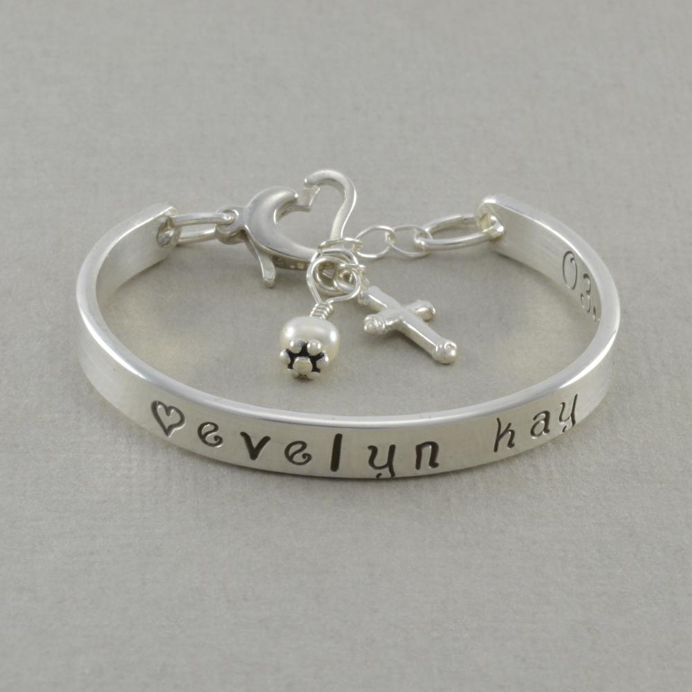 Gold bar bracelet with name